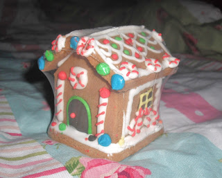 Hello December.. & Christmas Cupcakes.. ♥