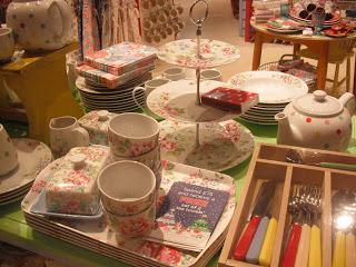 My Day Trip to Birmingham – Cupcakes, Shopping, Vintage Fair & more.