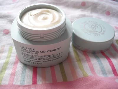 Liz Earle Skin Repair Moisturiser and Instant Boost Tonic.. ♥