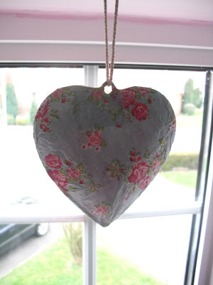 DIY Floral Tin Heart Hanging.. ♥