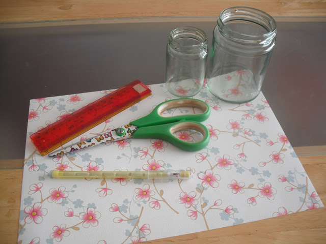 DIY Vintage Style Jam Jar Make Up Brush Holders.. ♥