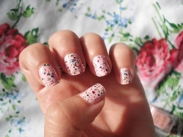 Strawberry Ice Cream Glitter Nails ♥