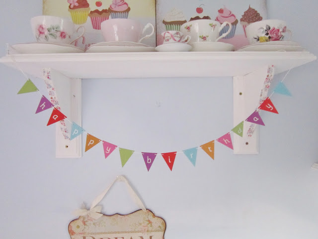 Mini Bunting & Shabby Chic Hearts from Rapunzels Retreat ♥
