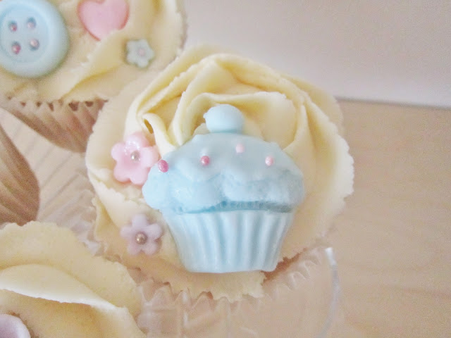 Tea Party Cupcakes for Macmillan Cancer Support ♥