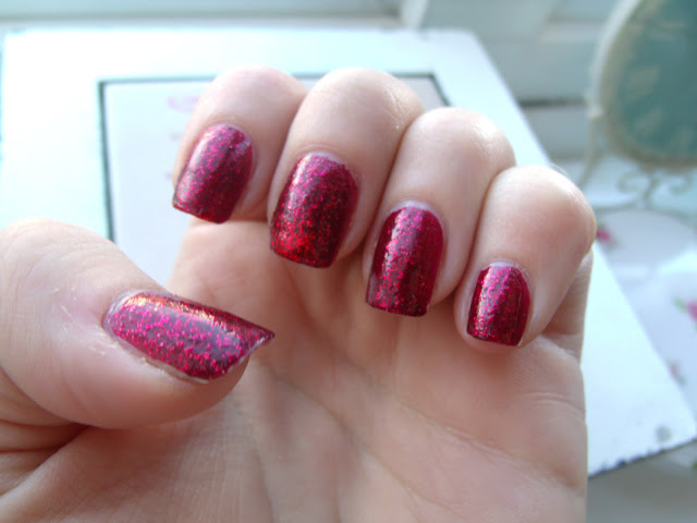 Day out in London Competition Win: Lash Extensions and Ruby Slippers Manicure ♥
