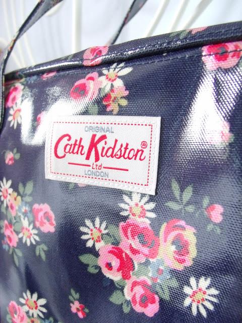 Cath Kidston Daisy Rose Zip Bag ♥