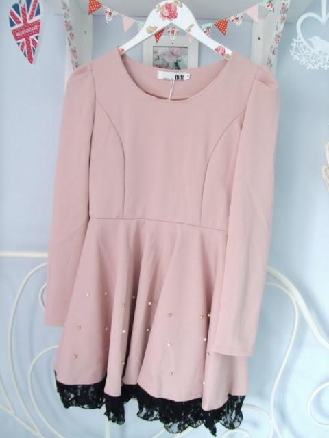 Mini Giveaway – Win This Pretty Dress! ♥