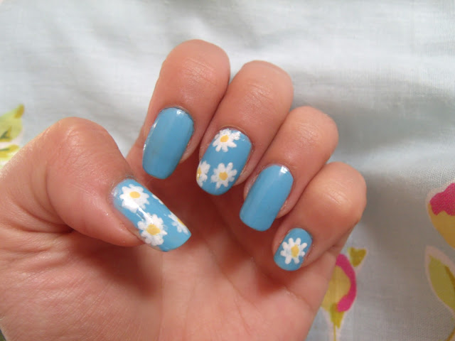 Summer Daisy Nails ♥