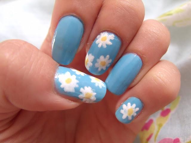 Summer Daisy Nails ♥