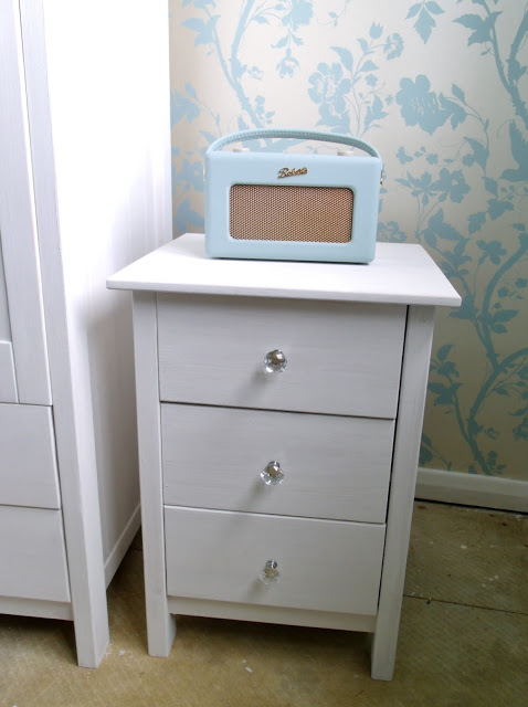 Dressing Room Update – New DIY Furniture ♥