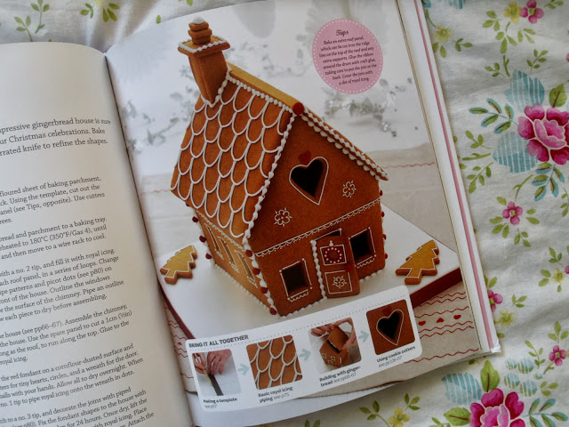 Step by Step Cake Decorating Book & Giveaway ♥