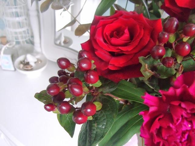 Christmas Gifts – Flowers & Hamper ♥
