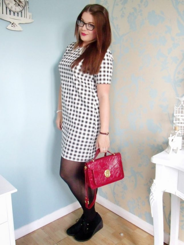 Monochrome Checked Dress + Urban Outfitters Satchel ♥