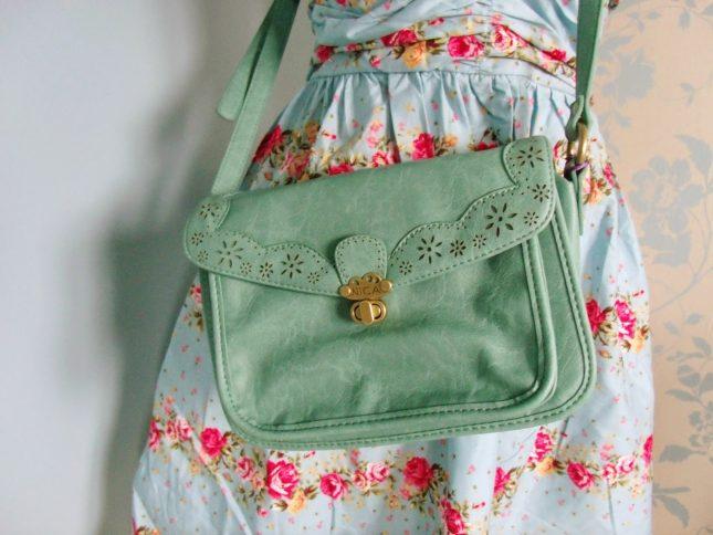 GIVEAWAY: Win a Nica Satchel Bag ♥