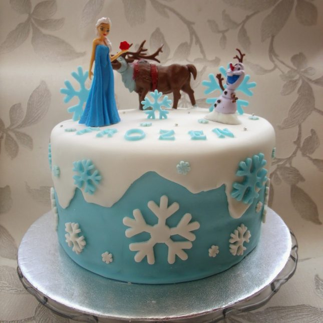 One Day I Made a Frozen Cake ♥