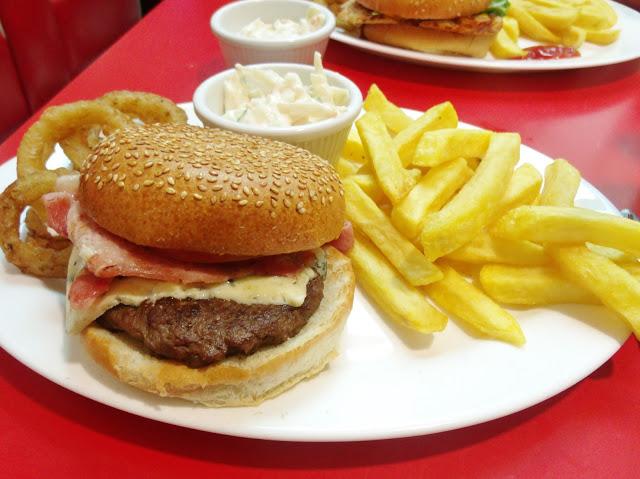 London: Ed's Diner & Patisserie Valerie Afternoon Tea ♥