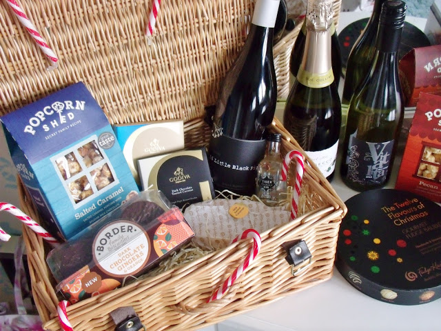 Christmas Gift Idea: DIY Treat Hamper ♥