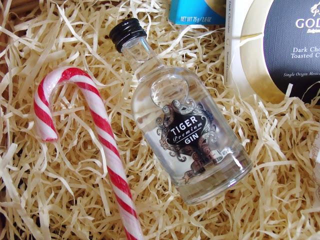Christmas Gift Idea: DIY Treat Hamper ♥