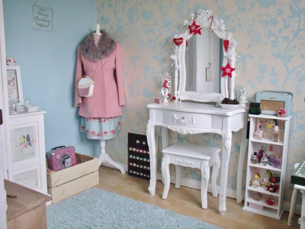 vintage dressing room
