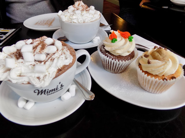 Mimi's Bakehouse cupcakes and hot chocolate