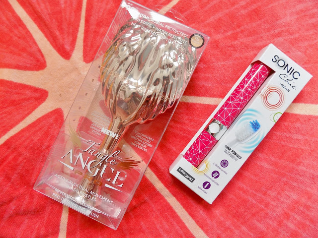 Tangle Angel Pro hairbrush