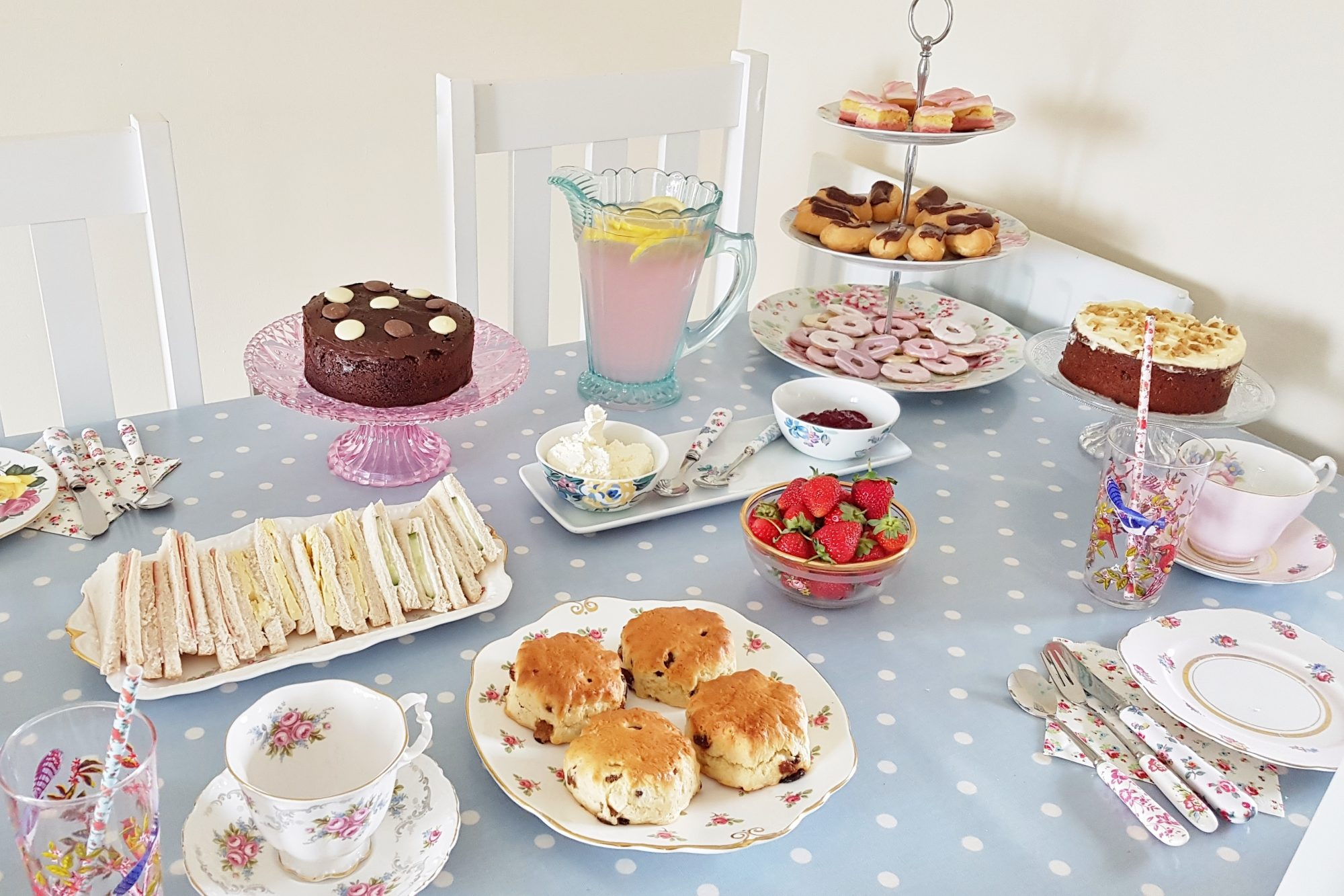 Floral Vintage Traditional Afternoon Tea Party Birthday Tableware Paper Cups