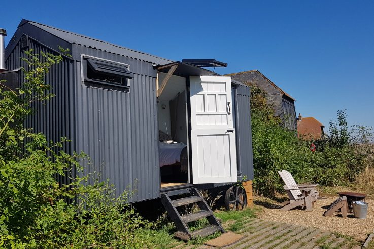 Rustic Plankbridge Shepherd's Hut Retreat
