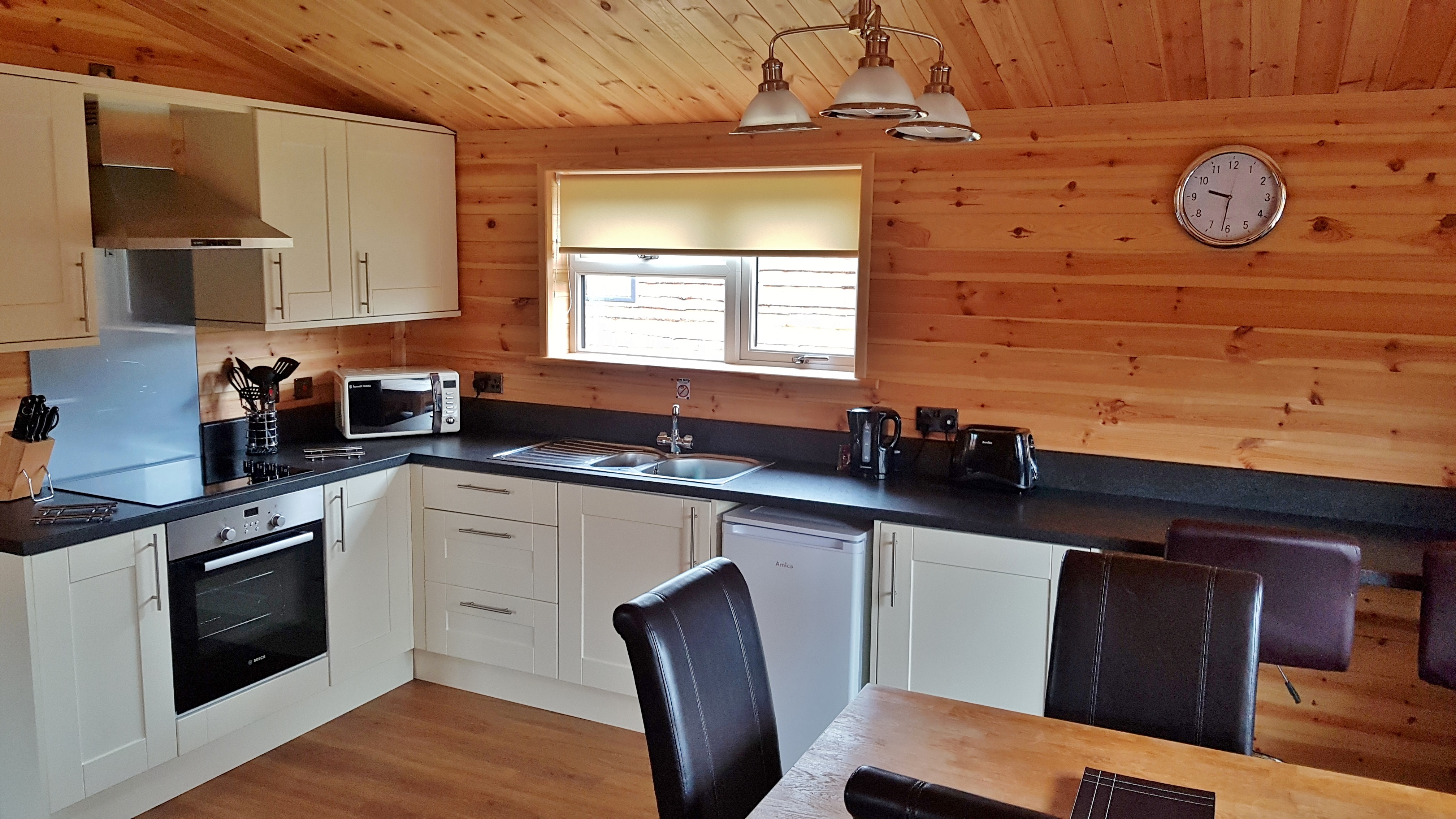 Travel: Cosy Cabin at Woodlakes Park, Norfolk