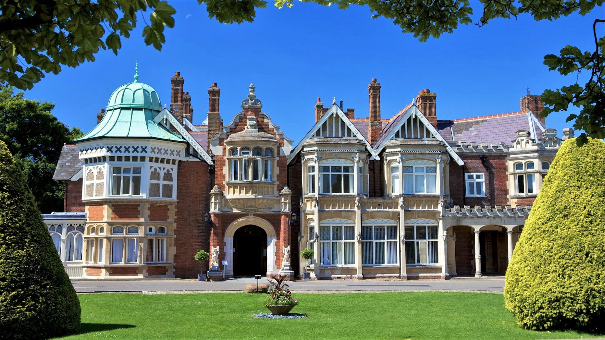 10 Reasons to Visit Milton Keynes