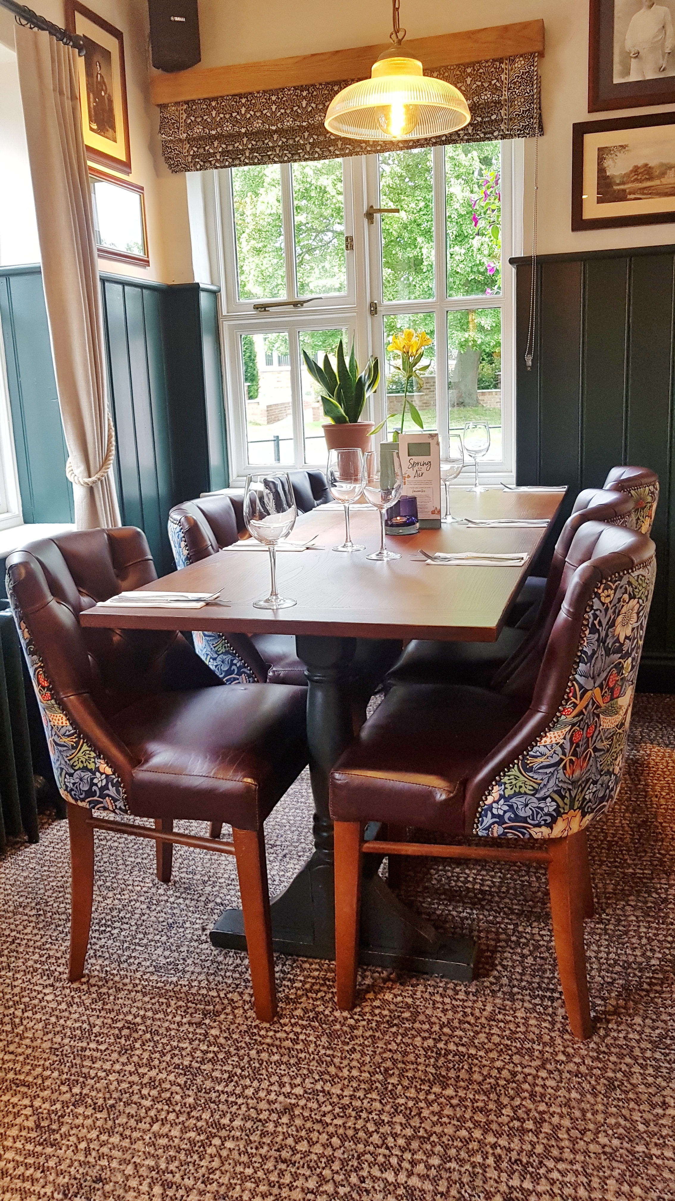 Review: The Five Bells, Weston Turville